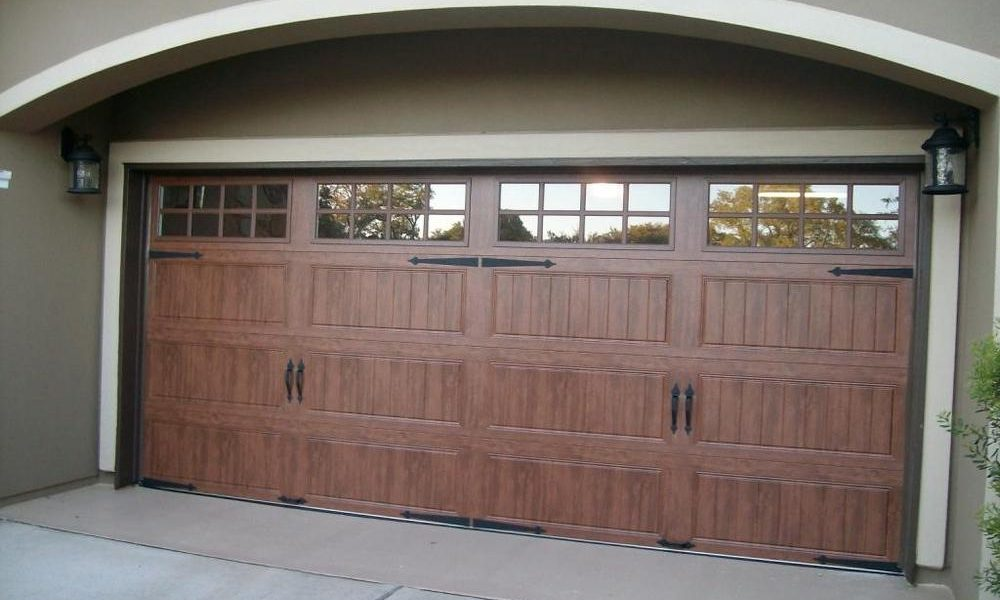 garage door in the San Diego